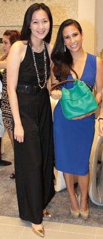 Stuart Weitzman General Manager Janice Go presenting Stephanie Zubiri-Crespi the Ketch Pocket