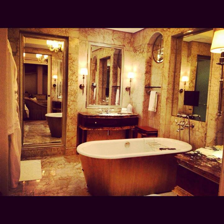 Singapore- St. Regis- Hotel- Bathroom