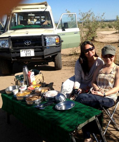 Breakfast by the Mara River with the Hippos