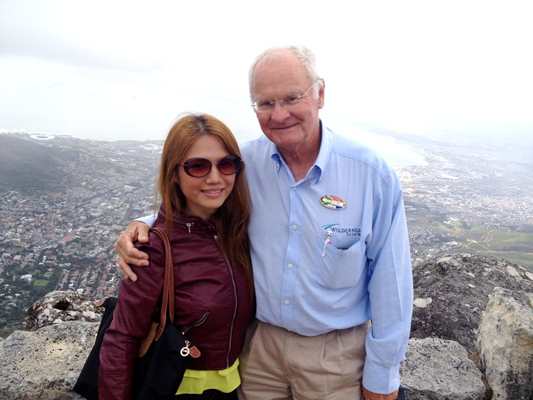 On top of Table Mountain with my tour guide Graham! He's the sweetest ever and was also the tour guide of Vicki Belo, Atom Henares, Quark and Cristalle when they were here last time. Tip: Even if it's warm and sunny, bring a jacket because the temperature drops when you're on top of the mountain!
