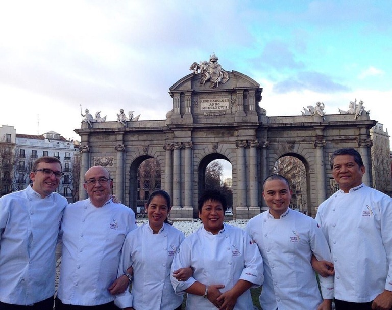 "See, this is PINOY PRIDE right here! Our Philippine chefs flew to the Spanish capital to represent and cook at Madrid Fusion! Jose Luis ""Chele"" Gonzalez (Vask/ ArroZeria), JC de Terry (Terry's), Margarita Fores (Cibo/ Lusso/ Grace Park), Myrna Segismundo, Bruce Ricketts (Mecha Uma/ Sensei Sushi), Claude Tayag (Bale Dutung/ Downtown Cafe). Go Philippines!"