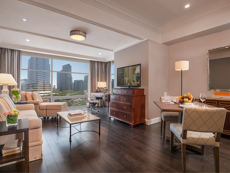 The Living And Dining Areas Of Executive Suite Photos Courtesy Discovery Primea