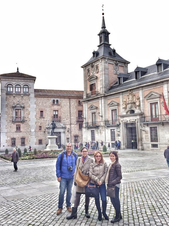 The cool thing about this walking tour is that it fuses both history and food.Here I am with Indian food blogger Kalyan Karmakar and friends from Manila Alicia Sy and Berna Romulo-Puyat-- in front of the Casa de la Villa, the old town hall which used to serve as both a prison and town hall.