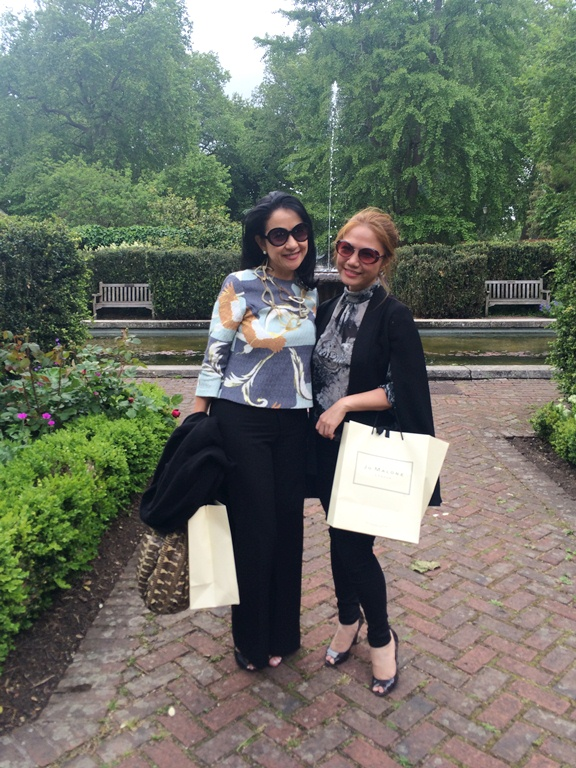 Mia Borromeo- Cheryl Tiu- Old English Garden- Battersea Park- London