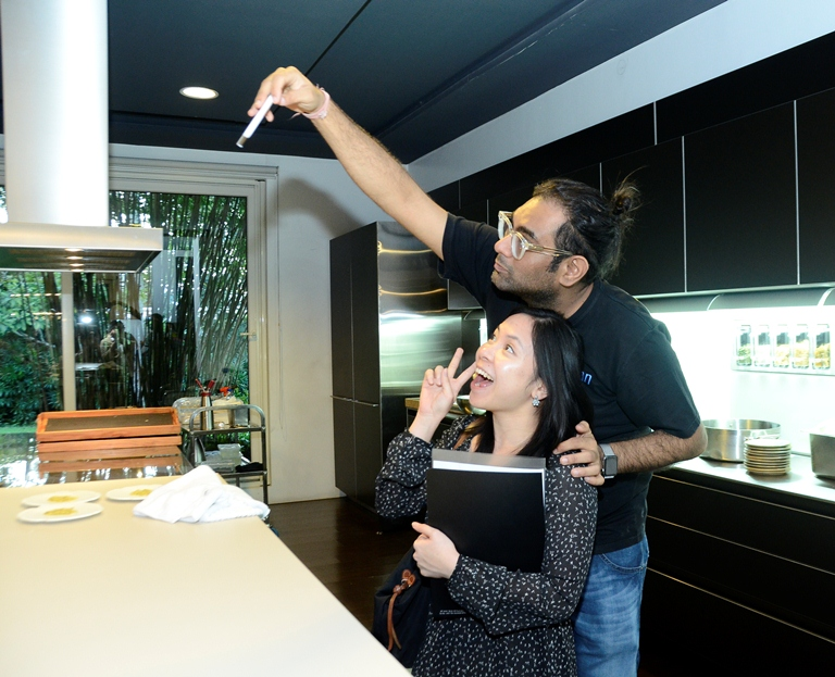 Apparently, Gaggan is just as into selfies! Here he is with Yummy Magazine's Regine Rafael