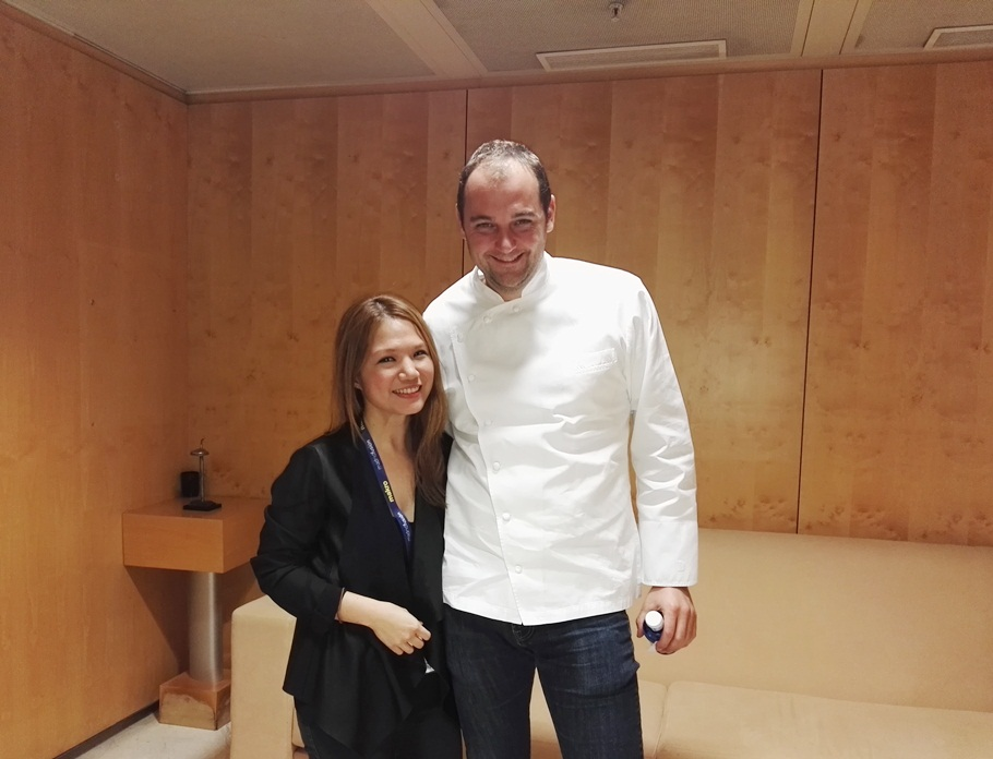 Waah, what an honor to meet and chat with Daniel Humm! First thing he said to me was that I sounded like an American.. and he also asked if I taveled alot to attend events like these alot. Super nice.