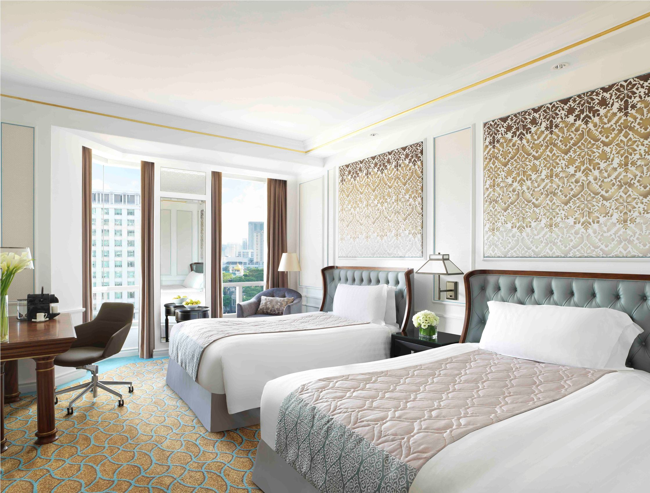The newly renovated rooms at the Intercontinental Singapore are LOVE! Bright, relaxing and calming-- a complete makeover from when the hotel first opened in 1995. This is the Intercontinental Club Room with twin beds. (Photo courtesy of Intercontinental Singapore)