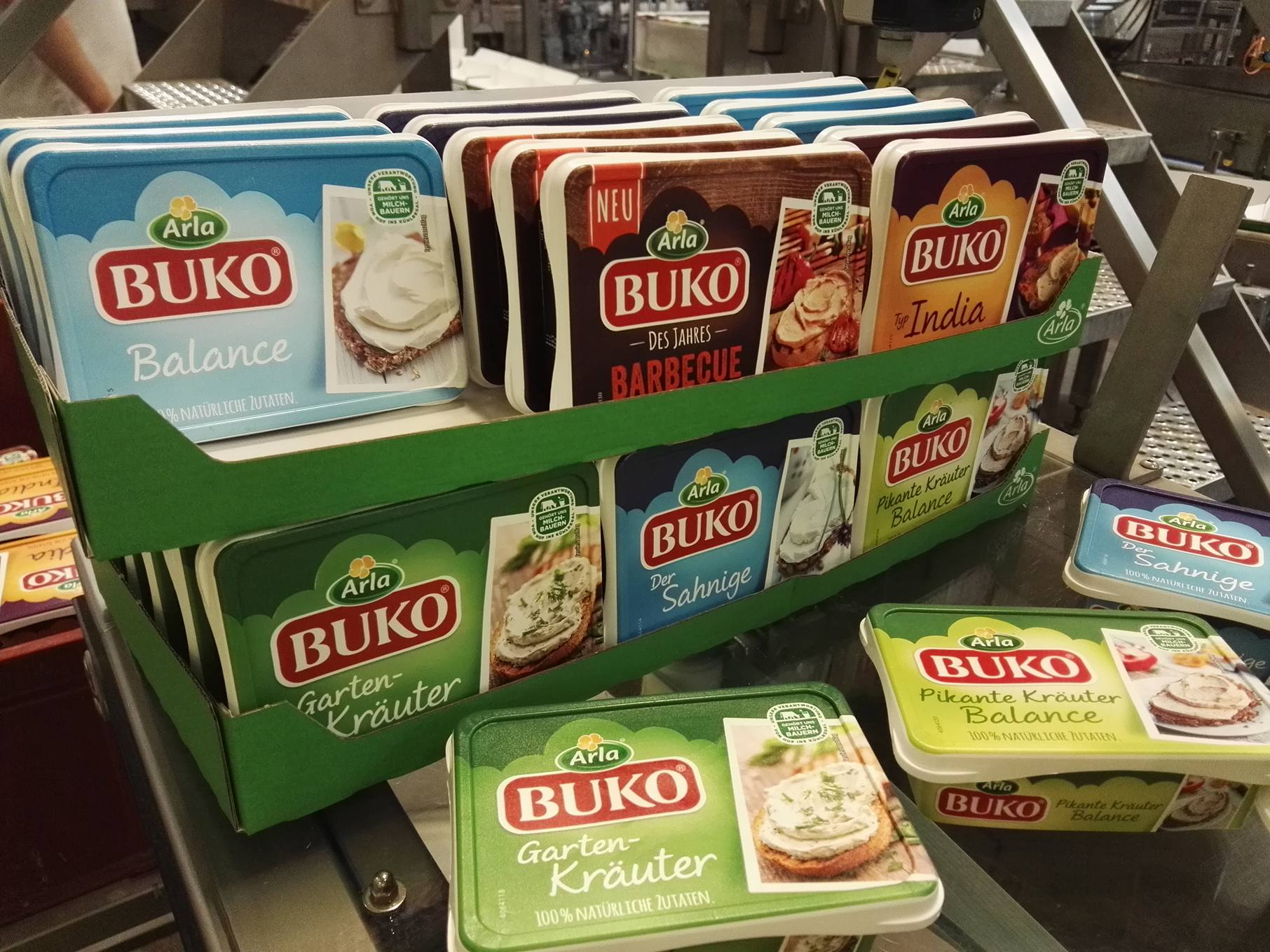 cream-cheese-assembly-line-at-the-arla-dairy-factory