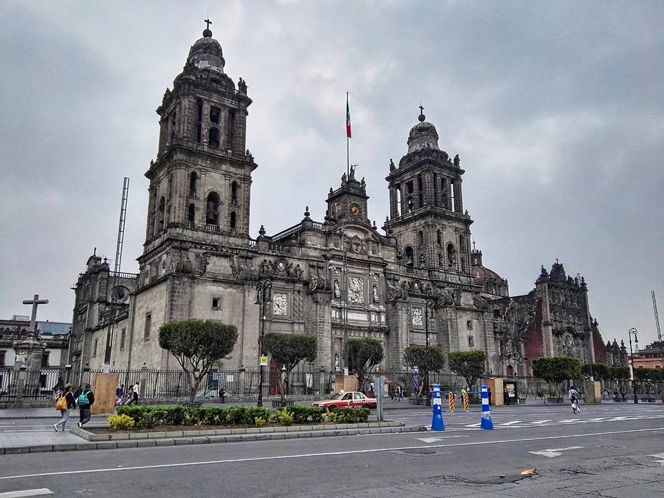 "Attending Sunday mass at Mexico City's stunning Metropolitan Cathedral: As hard as it can be at times, I think that it's so important to trust the timing of your life. When you try to ""play"" God and take control of the situation, you end up at the bottom of the pit. So just have faith & believe that all that's meant for you will happen at the right time, and that there are loads of even more beautiful things in store for you in the future.💗"