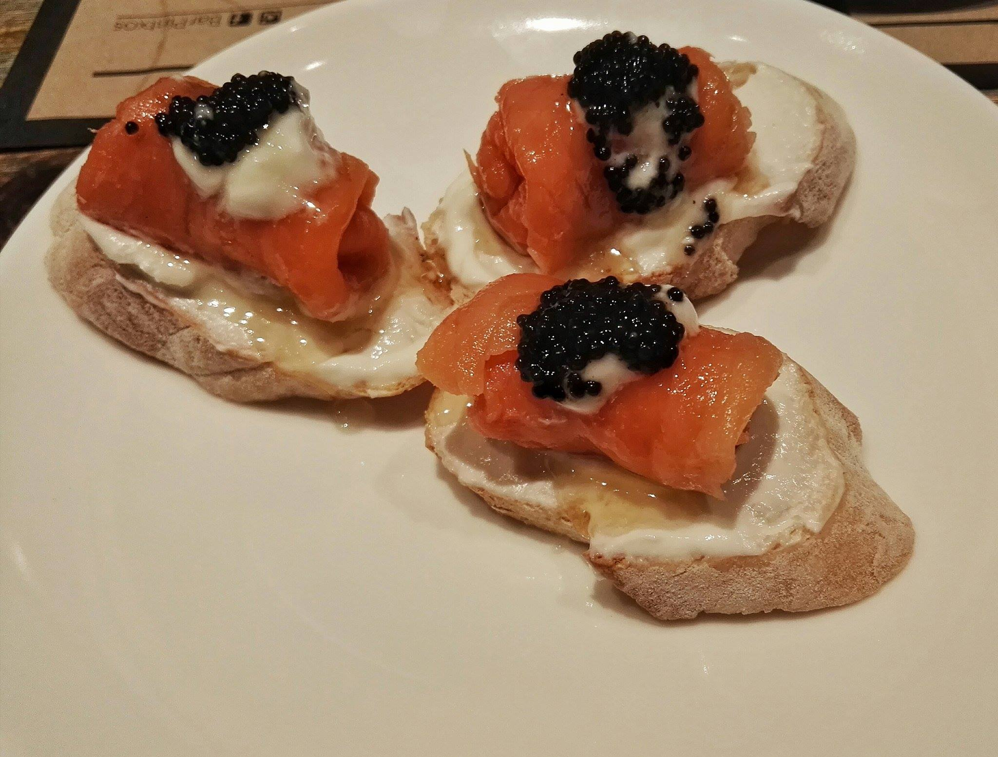 salmon-goat-cheese-truffle-honey-caviar-pintxos-bar-pintxos-fort-bonifacio-fairways-tower-bgc