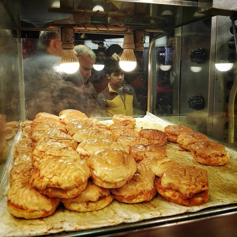 "Turkey's famous ""wet burgers"" at Kizilkayar in Taksim Square, also visited by Anthony Bourdain"