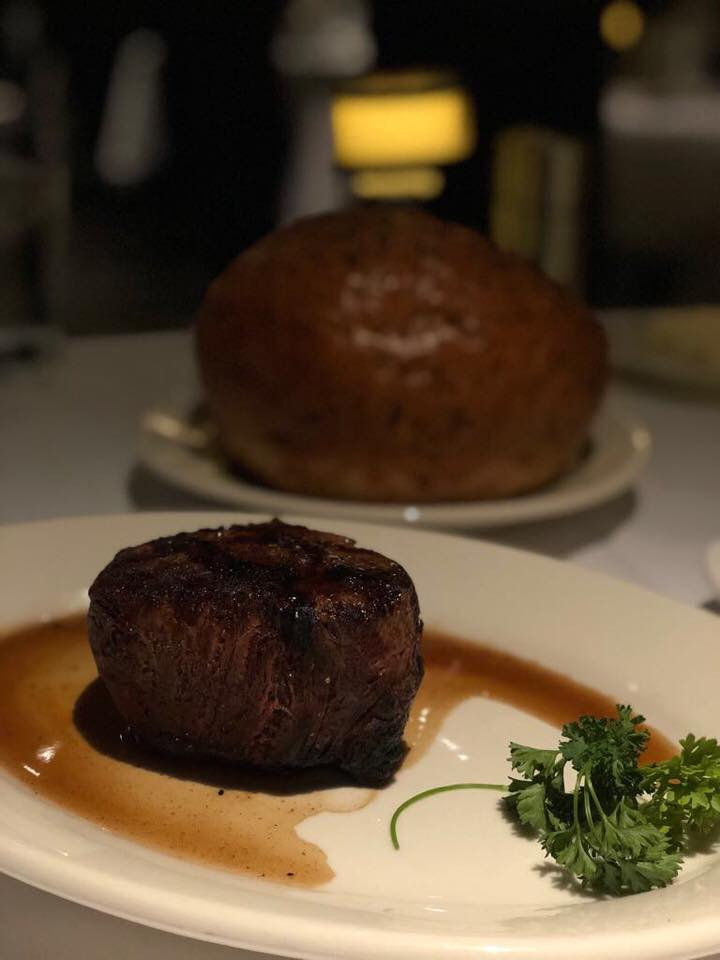 I spent Christmas day in Saratoga, and luckily, one restaurant was open, Morton's Steakhouse at the Saratoga Casino Hotel... so yes, got my Christmas dinner after all, yay!