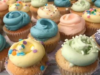 New York's Magnolia Bakery, known for its specialty cupcakes and cakes, will open its doors in Manila, Philippines this August 22. (Photo taken from M Bakery PH's Facebook page)