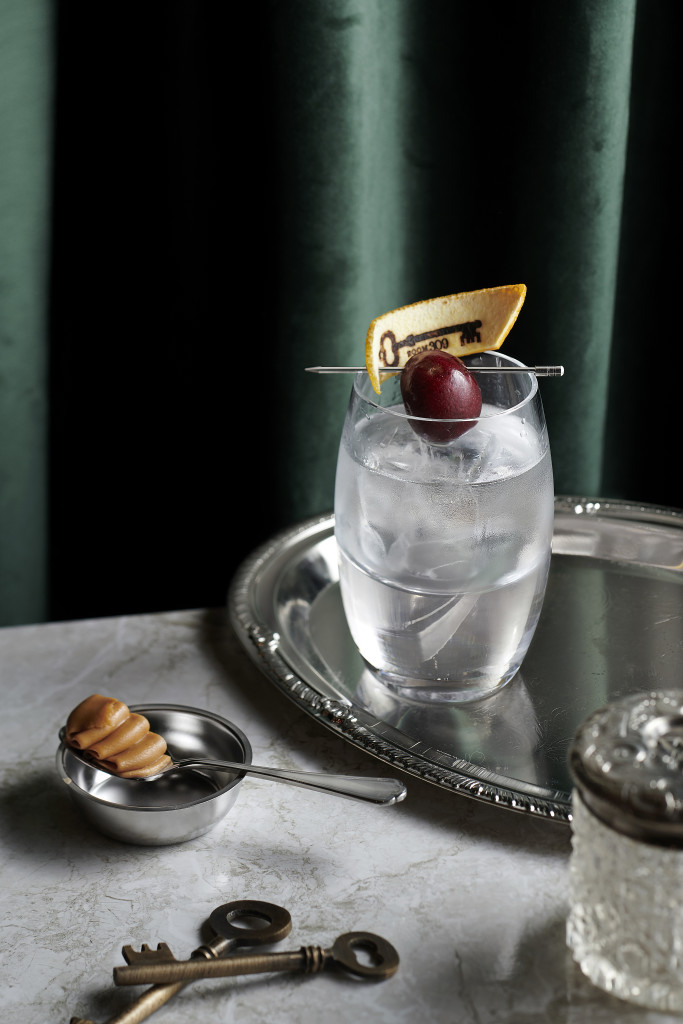 A clear OLD FASHIONED--Crystal Old Fashioned (HK$138) will appeal to lovers of peanut butter, with a recipe of re-distilled peanut butter bourbon, homemade wood chips bitters and banana concentrate (Photo courtesy of Room 309)